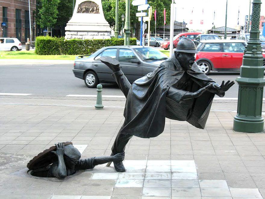 Esculturas urbanas muy originales y divertidas
