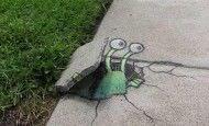 Arte callejero: las aventuras de un marciano pintado con tizas