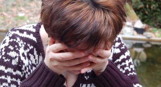 Cómo sacar pensamientos negativos de la mente