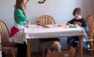 Niños se emocionan cuando sus padres les regalan un cachorro por sorpresa