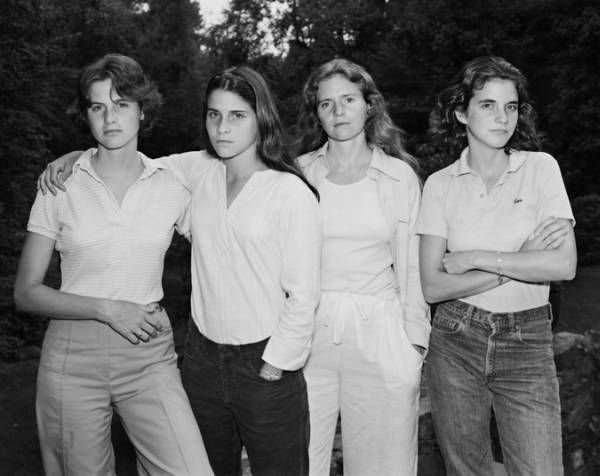 Cuatro hermanas se fotografían juntas durante 40 años