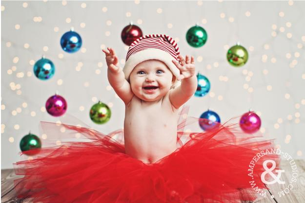Fotografías de bebés que disfrutan a lo grande en Navidad 1