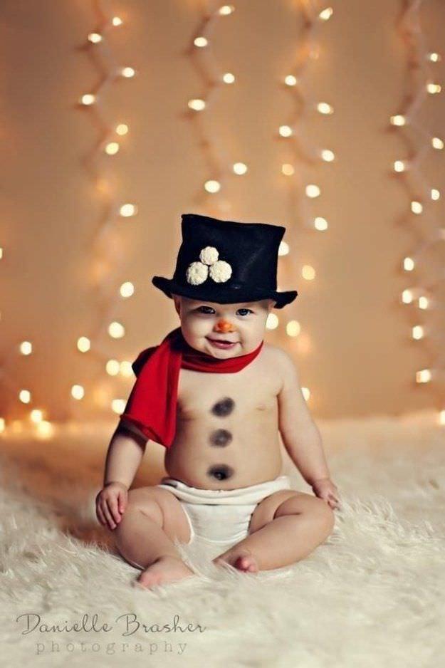 Fotografías de bebés que disfrutan a lo grande en Navidad 3