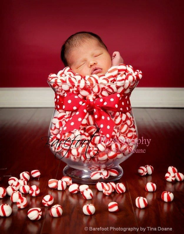 Fotografías de bebés que disfrutan a lo grande en Navidad 7