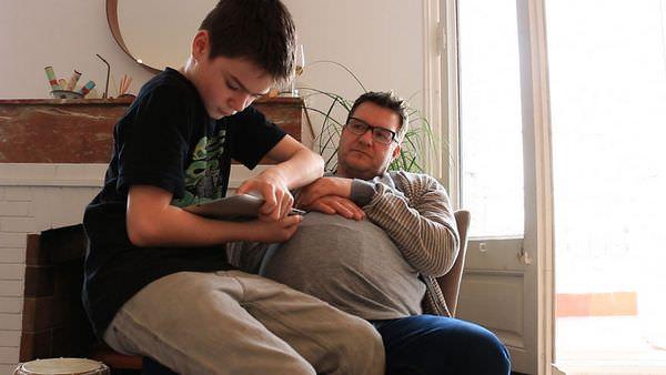 Estos hombres intentan ponerse en la piel de sus mujeres embarazadas 5
