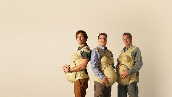 Estos hombres intentan ponerse en la piel de sus mujeres embarazadas 8