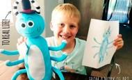 Estos niños ven cómo sus dibujos favoritos se convierten en peluches