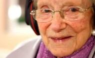Enfermos de Alzheimer mejoran con la música de su juventud