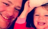 Este padre hizo un curso de peluquería para aprender a peinar a su hija