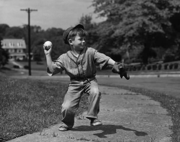 Fotos viejas de niños jugando sin Internet ni consolas 12