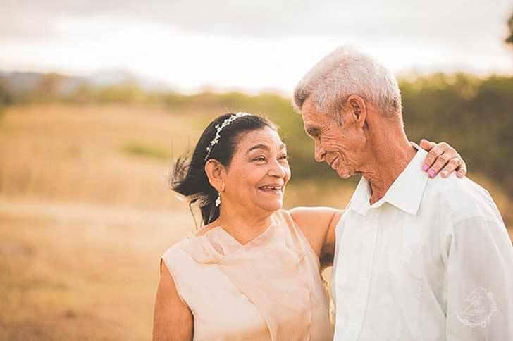 Esta pareja es muy feliz tras 40 años juntos 10