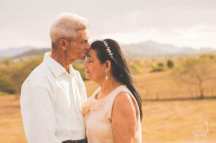 Esta pareja es muy feliz tras 40 años juntos 8